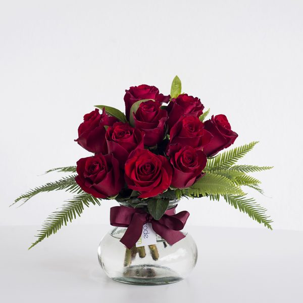 red roses posy jar