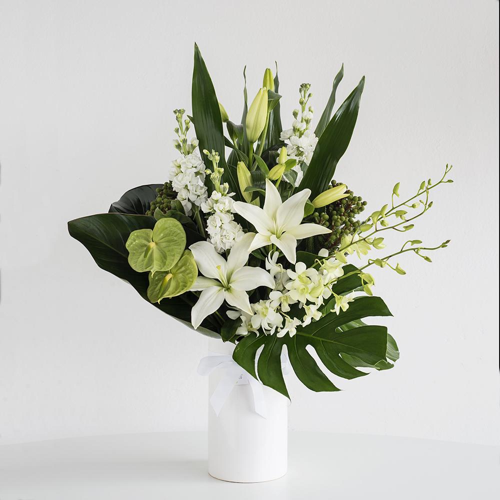 Ceramic vase for funeral service code bloom perth florist fresh ceramic vase for funeral service izmirmasajfo
