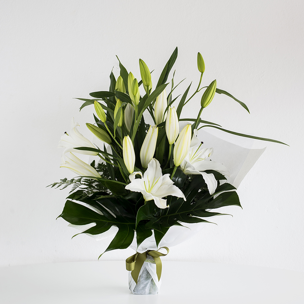 Oriental lilies white code bloom perth florist fresh flower lilly pilly white izmirmasajfo