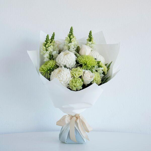 Classic White Bouquet • Code Bloom - Perth Florist, Fresh flower ...