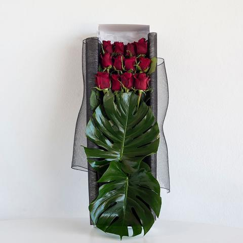 12 Red Roses in Presentation Box