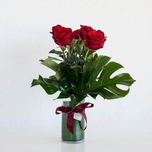 6 Red Roses in Vase